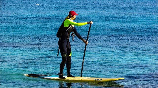 paddleboarding-1895719_640